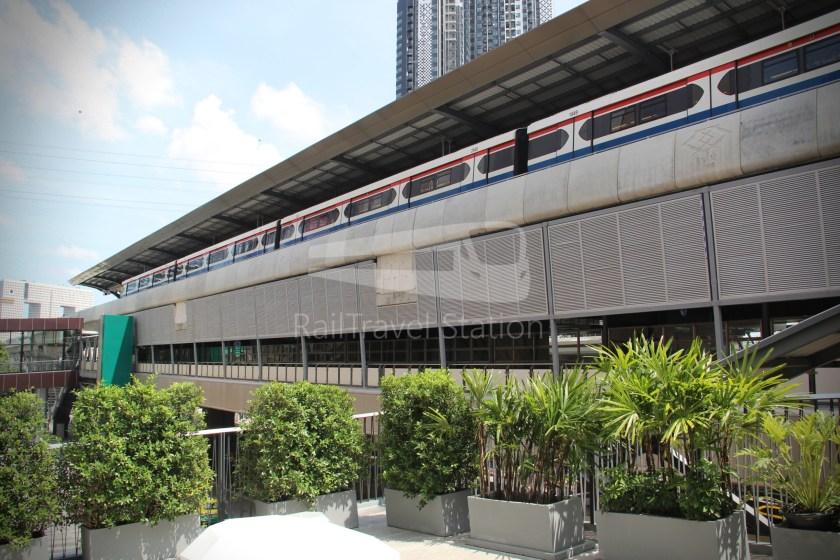 BTS Sukhumvit Line Ha Yaek Lat Phrao Extension 064