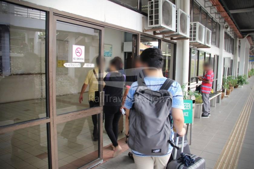 Special Express 46 Padang Besar Bangkok Hua Lamphong 015