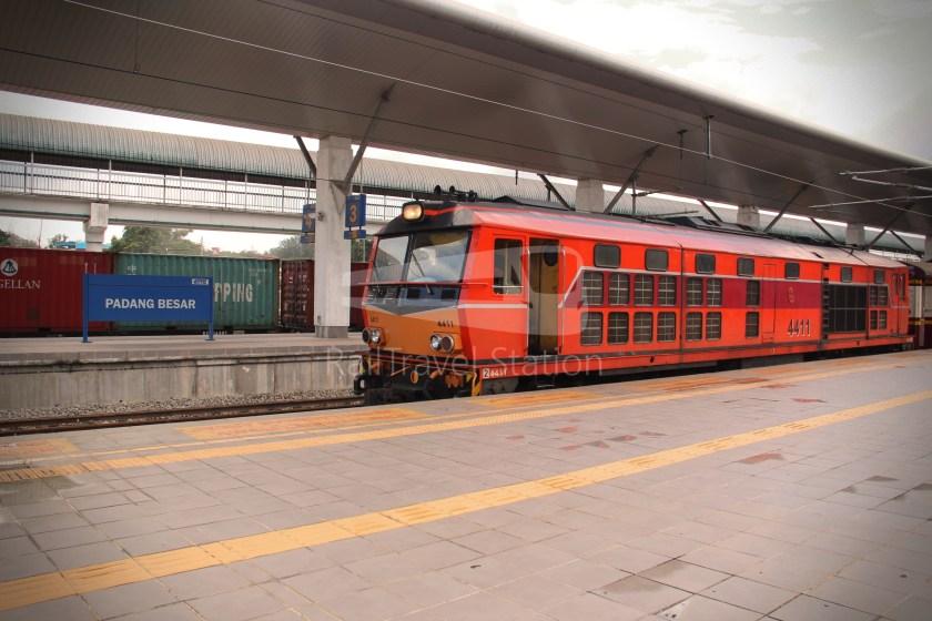 Special Express 46 Padang Besar Bangkok Hua Lamphong 020