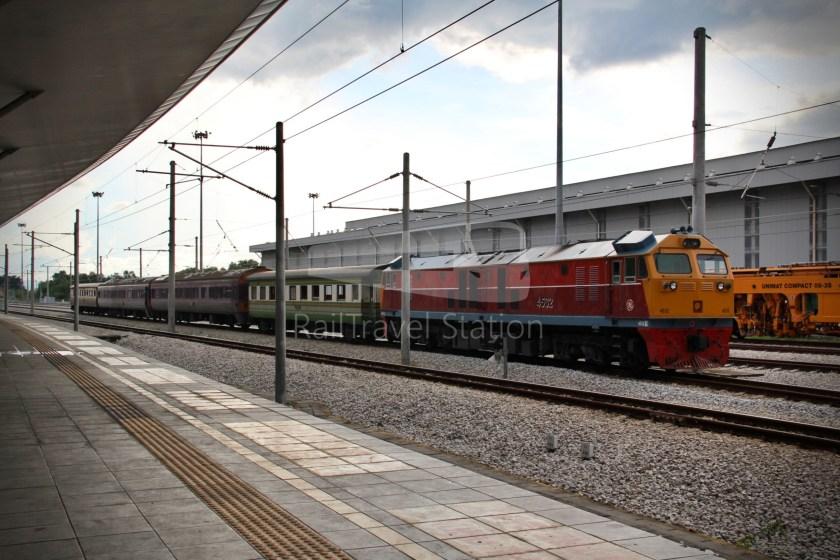 Special Express 46 Padang Besar Bangkok Hua Lamphong 027