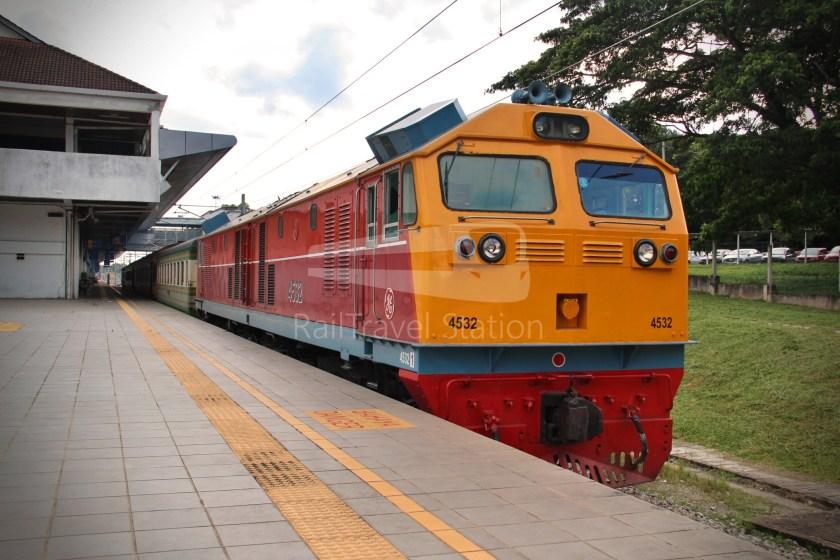 Special Express 46 Padang Besar Bangkok Hua Lamphong 040