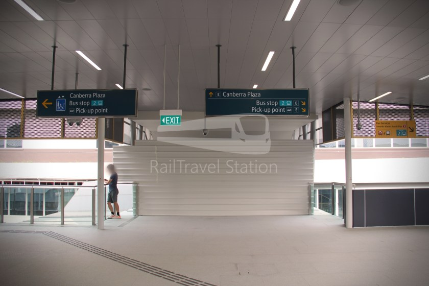 Canberra MRT Station 068
