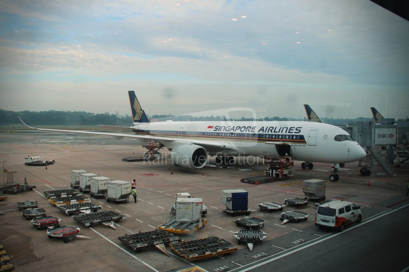 Flight Review - Singapore Airlines SQ860: Singapore to Hong ...