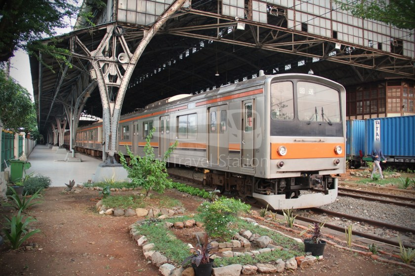Musashino Line 205 Series Tanjung Priok 015