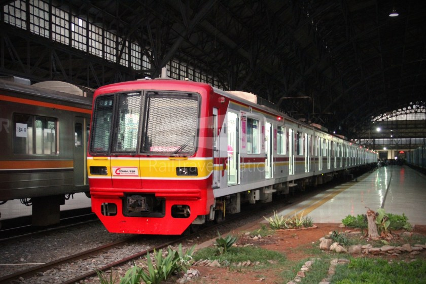 Musashino Line 205 Series Tanjung Priok 033