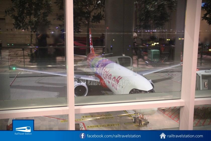 AirAsia AK720 SIN KUL Airbus A321neo 011