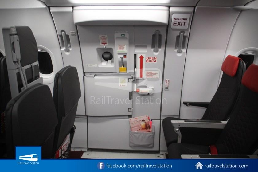 AirAsia AK720 SIN KUL Airbus A321neo 049