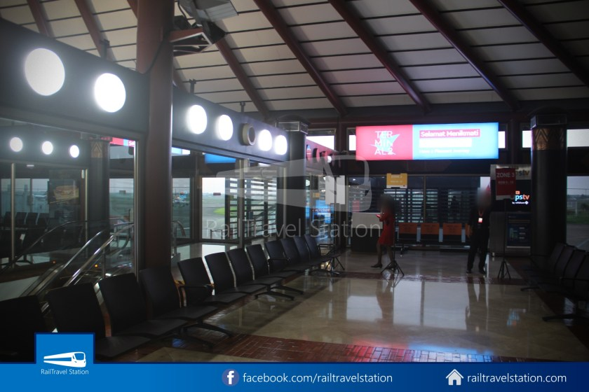 Indonesia AirAsia QZ268 CGK SIN by Car 023