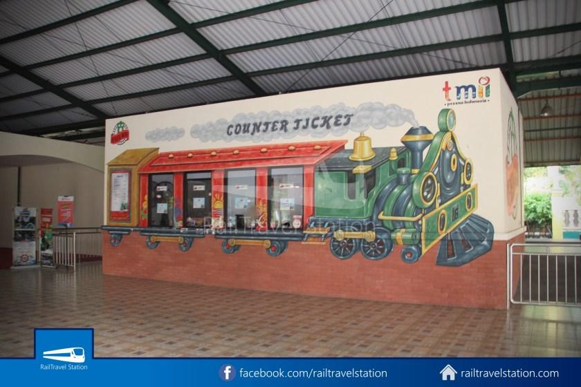 TMII Mini Train 002