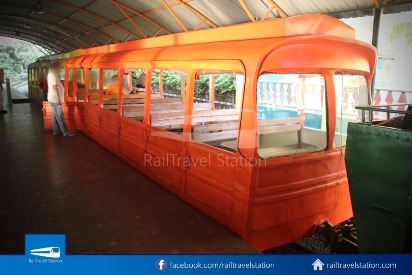 TMII Mini Train 013