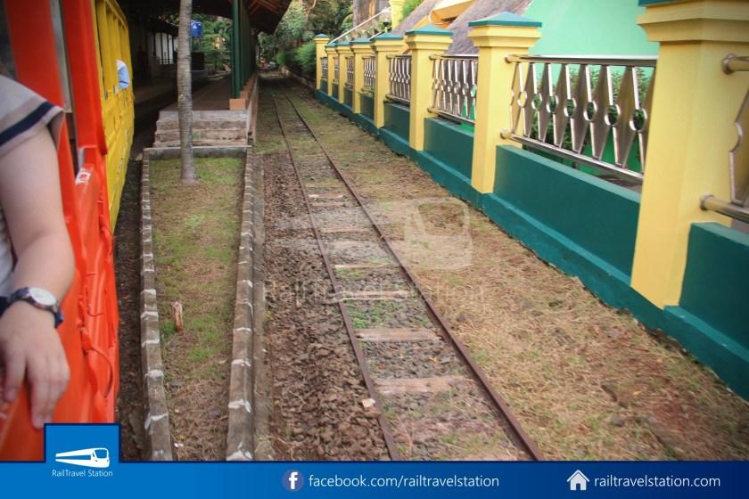 TMII Mini Train 018