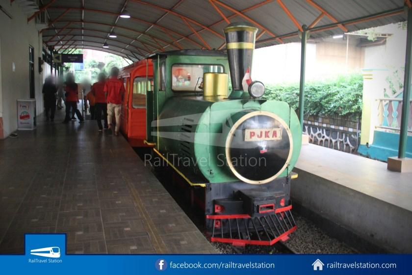 TMII Mini Train 081