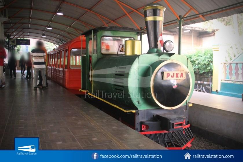 TMII Mini Train 082