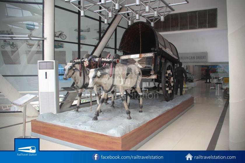 TMII Museum Transportasi 074