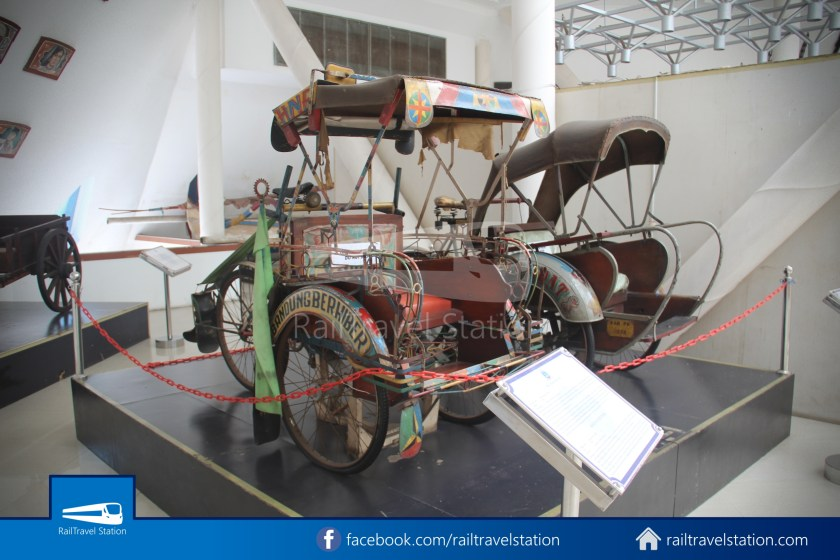 TMII Museum Transportasi 081