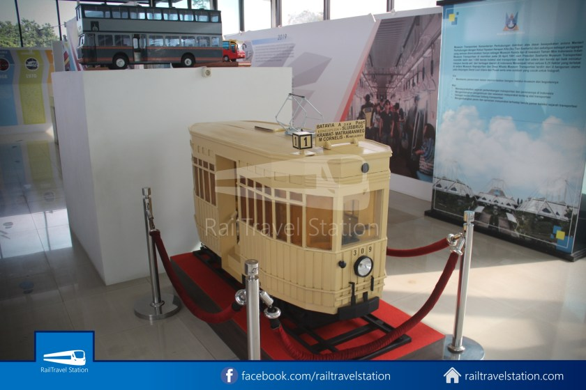 TMII Museum Transportasi 115