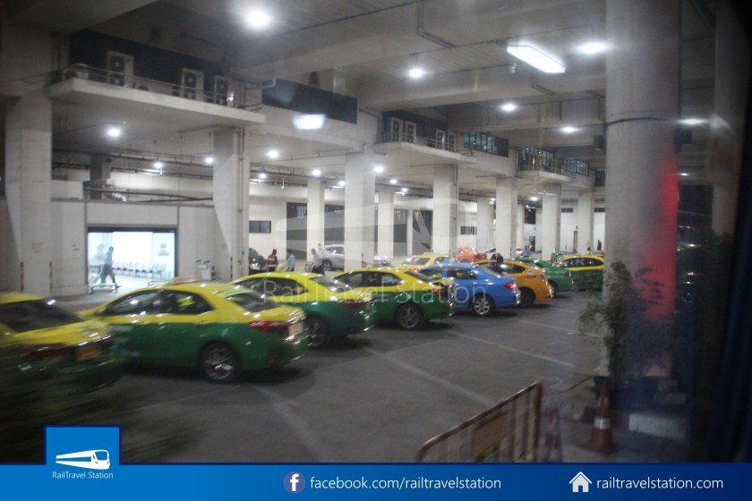 Don Mueang Airport Bus A1 DMK Chatuchak Park MRT 012