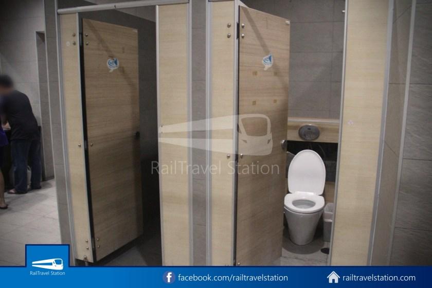 Hua Lamphong Shower Room 006