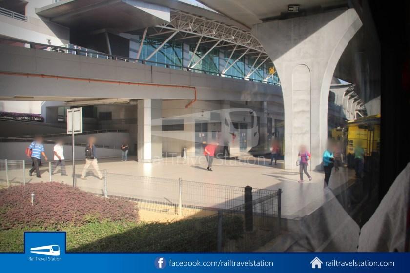 Causeway Link AA1 JB Sentral Senai Airport 9am 011