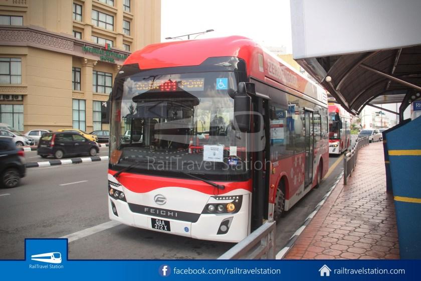 H2 Sarawak Damai Bus at Riverside Majestic 019