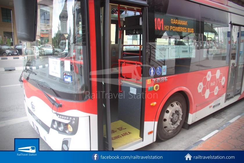 H2 Sarawak Damai Bus at Riverside Majestic 020