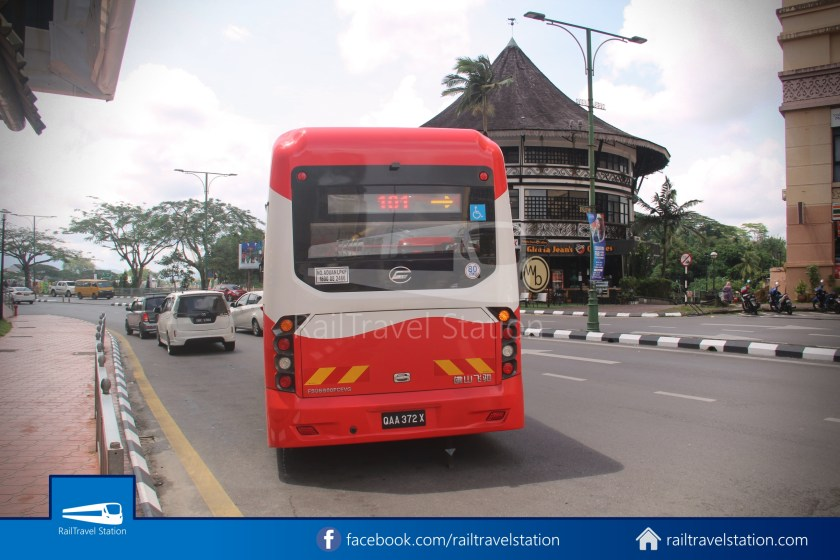H2 Sarawak Damai Bus at Riverside Majestic 021