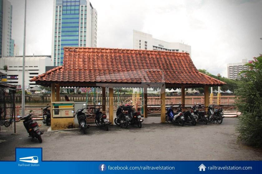 Kuching Penambang Kampung Boyan Waterfront 001