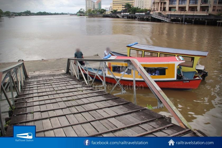 Kuching Penambang Kampung Boyan Waterfront 003