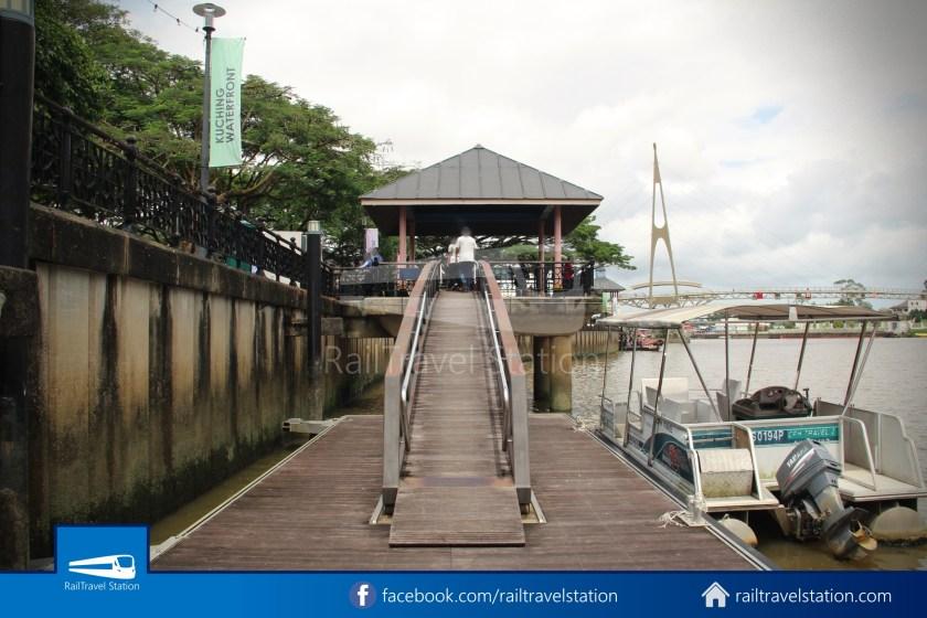 Kuching Penambang Kampung Boyan Waterfront 018