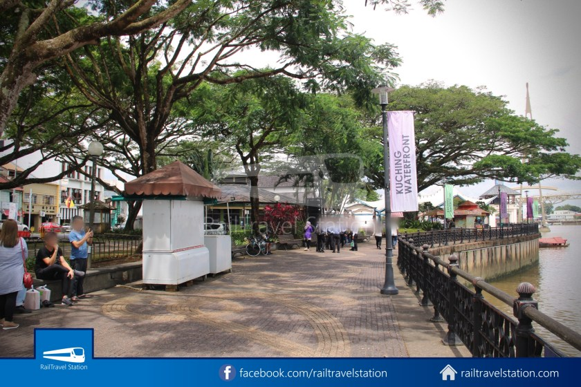 Kuching Penambang Kampung Boyan Waterfront 021