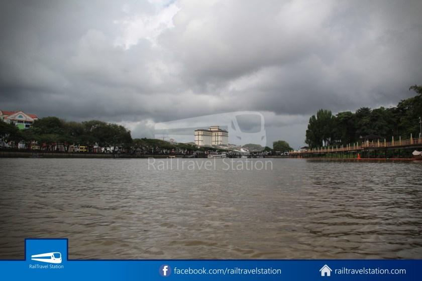 Kuching Penambang The White Barouk Kampung Boyan 013
