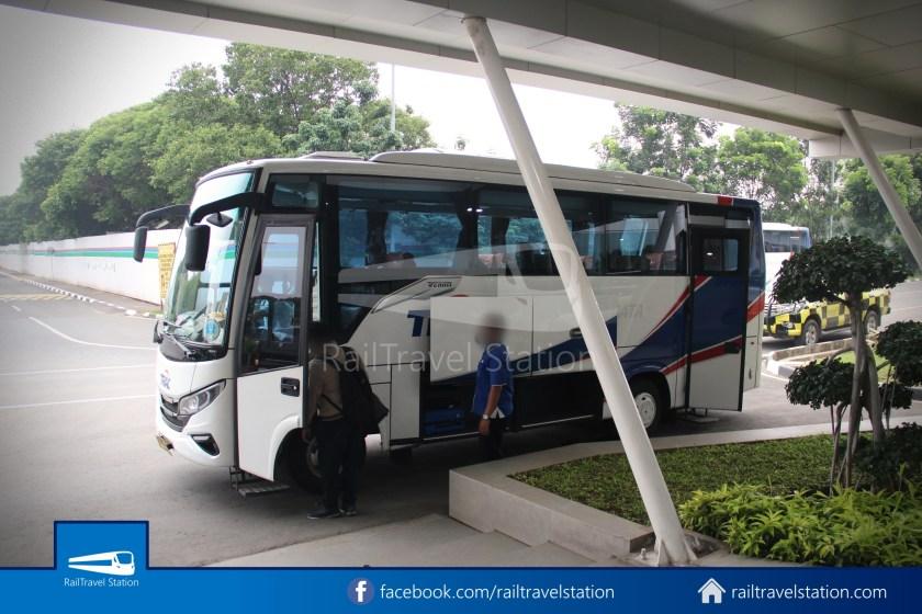 Railink 691692 Shuttle Bus ARS T2 002