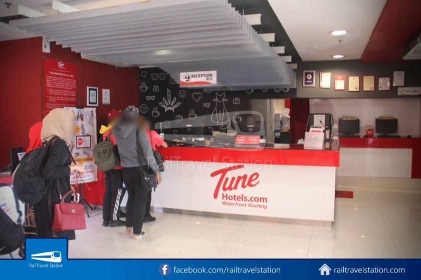 Tune Hotel Waterfront Kuching 004
