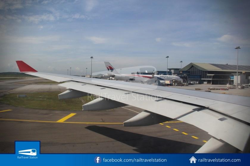 Air Mauritius MK646 SIN KUL 075