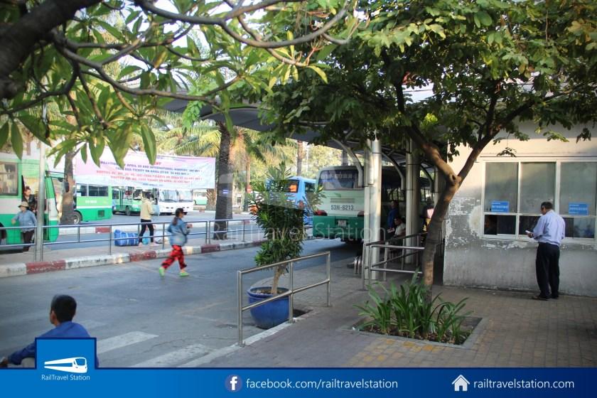 Airport Bus 109 23-9 Park Pham Ngu Lao Tan Son Nhat International Airport 02