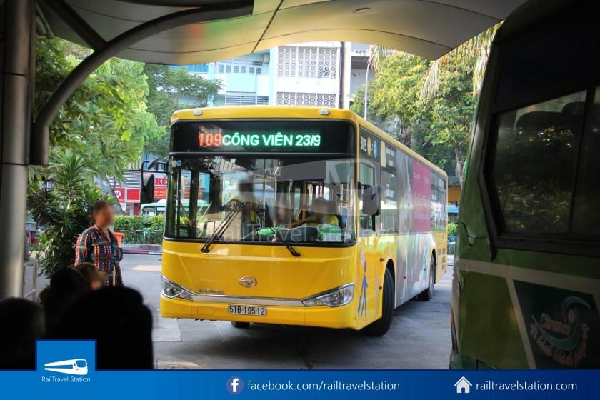 Airport Bus 109 23-9 Park Pham Ngu Lao Tan Son Nhat International Airport 06
