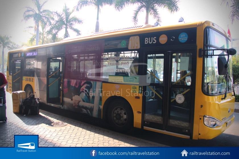 Airport Bus 109 23-9 Park Pham Ngu Lao Tan Son Nhat International Airport 27