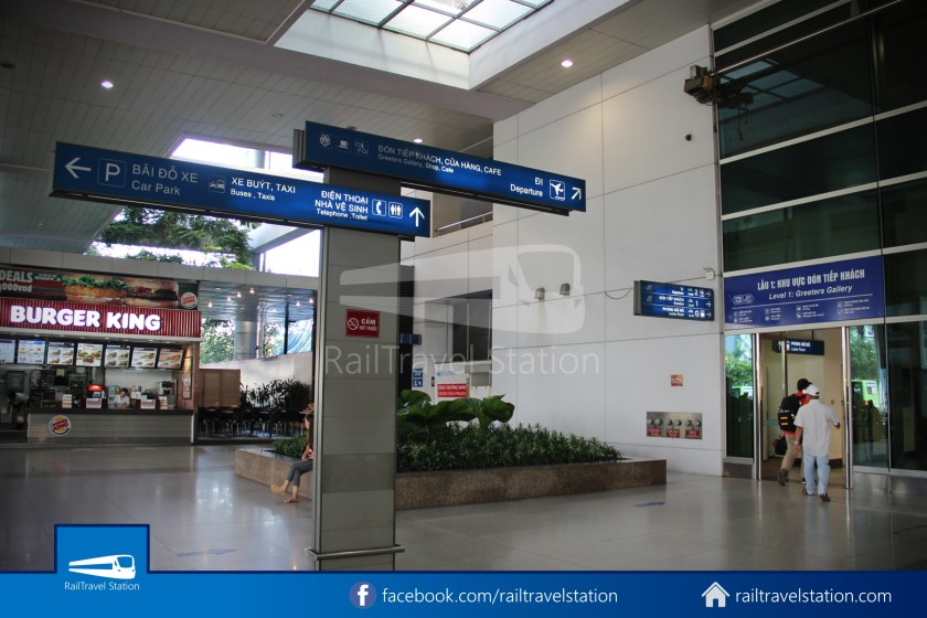 Airport Bus 109 23-9 Park Pham Ngu Lao Tan Son Nhat International Airport 30
