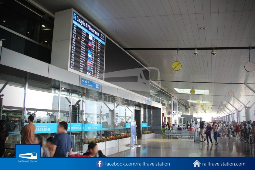 Airport Bus 109 23-9 Park Pham Ngu Lao Tan Son Nhat International Airport 33