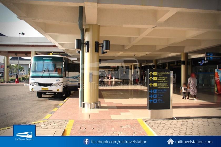 DAMRI Padang Airport Bus 08