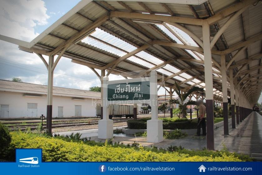 Express 51 Bangkok Hua Lamphong Chiang Mai 2012 063
