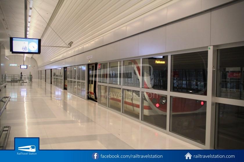 SARL Express Line Makkasan CAT Suvarnabhumi 2011 002