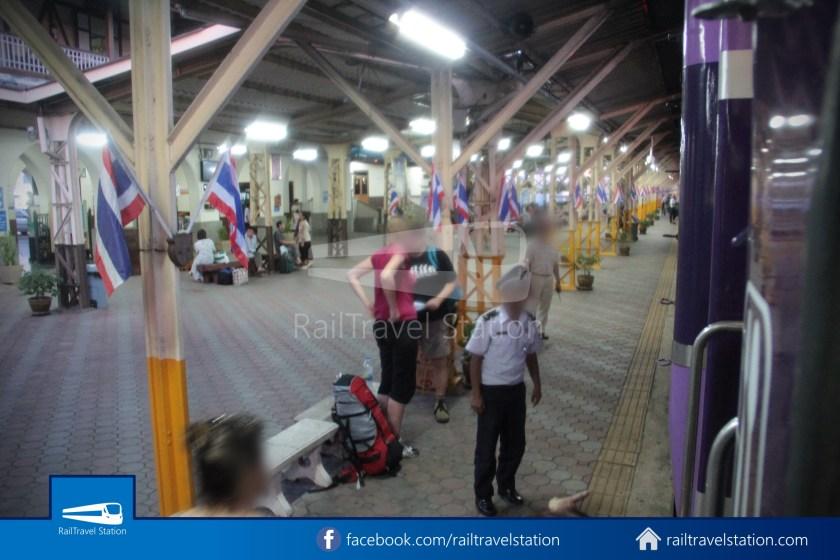 Special Express 14 Chiang Mai Bangkok Hua Lamphong 2012 045