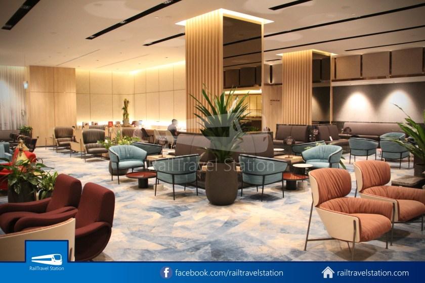 Changi Lounge $12 006