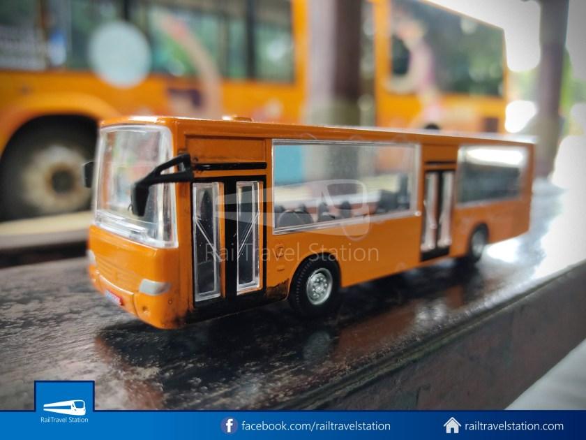 Sentosa Monorail Bus Models Taobao Knockoffs 004