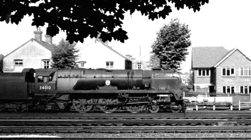 Leaving Woking for Waterloo, 30th August 1964 Photo: © Nick Thompson