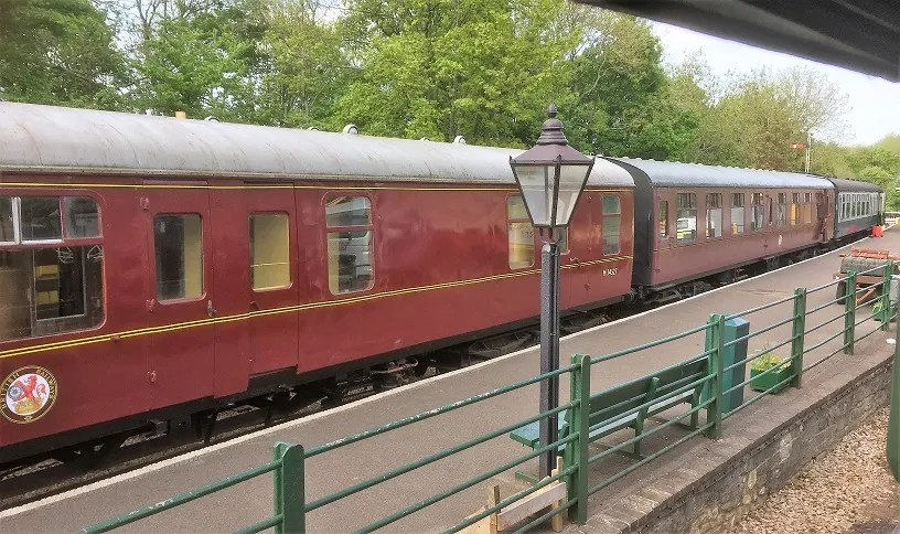 BSK M34527 marshalled in train with SK M26049 and BSO E9267 in Platform at Midsomer Norton