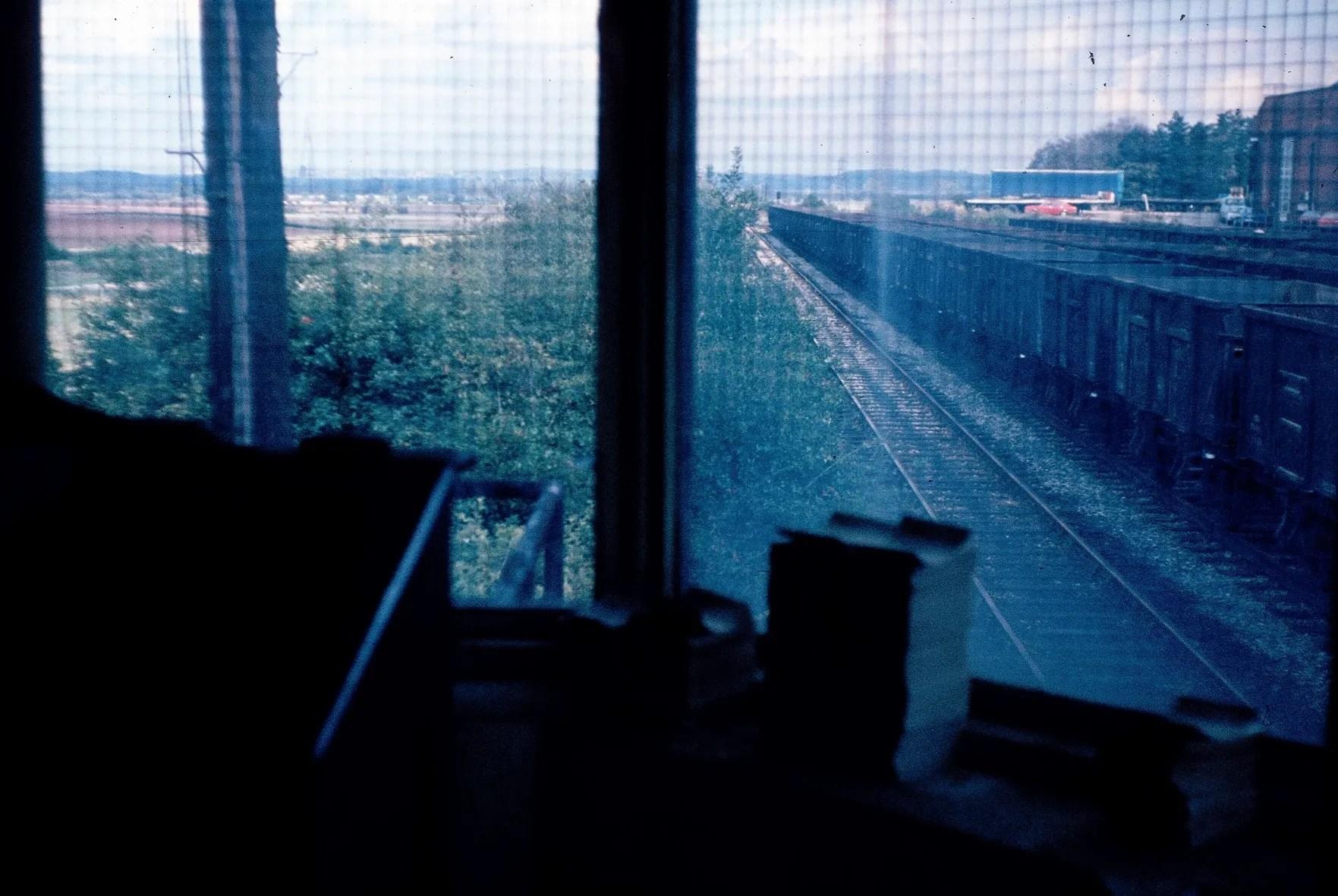 Rushcliff Halt Signal Box - 1981 - railway photographs