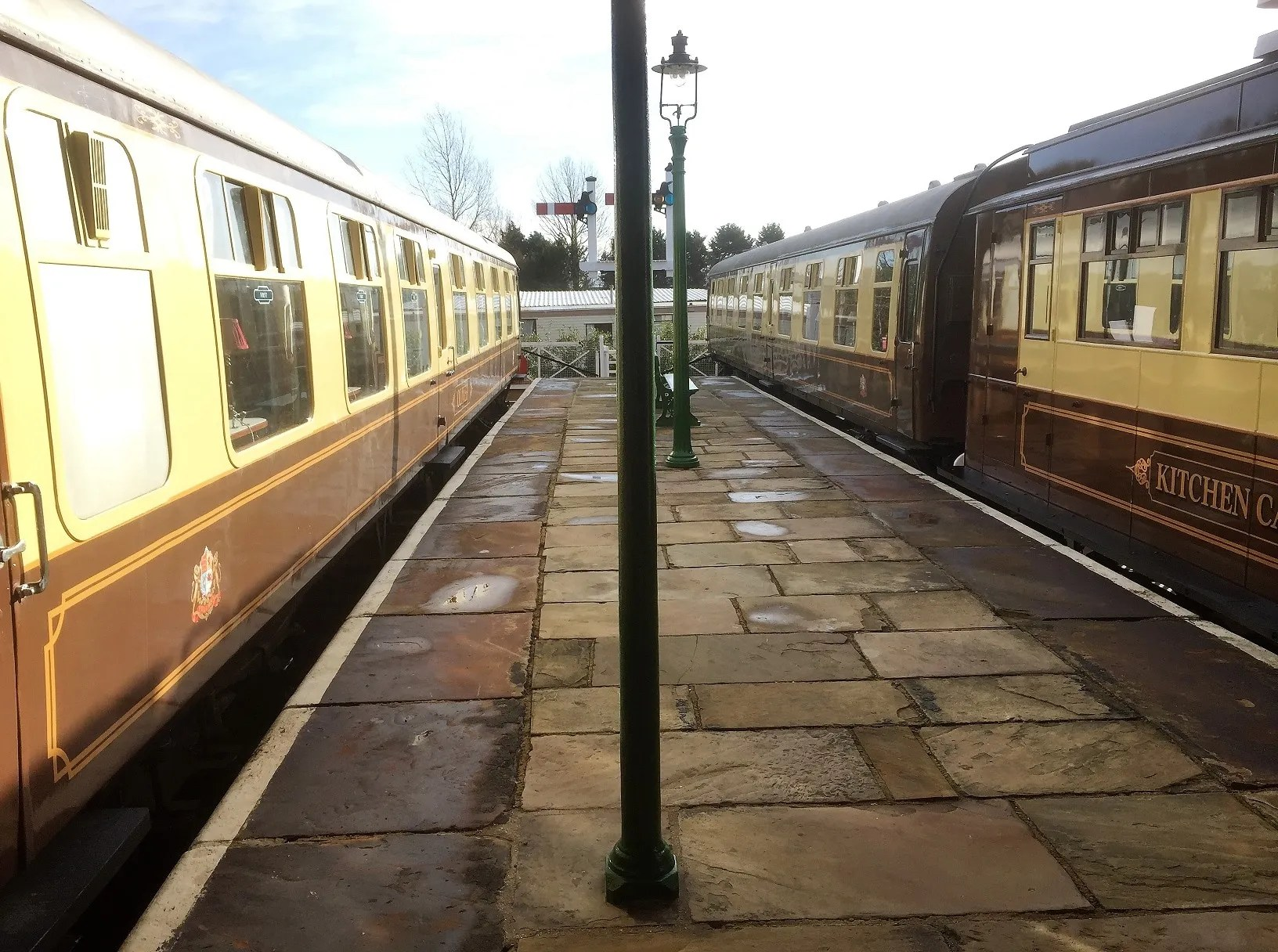 British Railways Mark 1 converted railway carriages CK M15626 and FO S3065