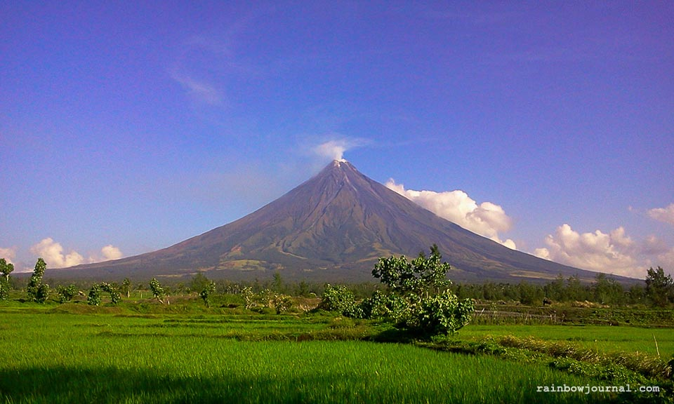 A view of Mayon Volcano from Cagsawa